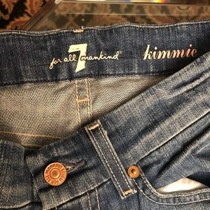 LIKE NEW 7 FOR ALL MANKIND Kimmie Jeans